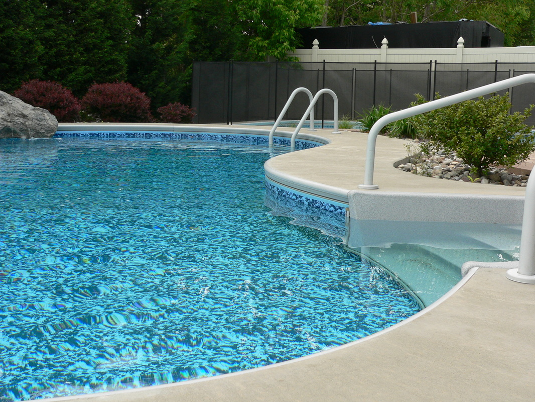 Vinyl pool liners top vinyl liner pools steps steps with for Pool liners